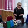 Сахалинской областной научной библиотеке подарили книги, альбомы ижурналы оКНДР
