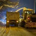 Ночью 150 самосвалов вывезли изЮжно-Сахалинска 30 тысяч кубометров снега ильда