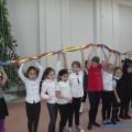 Младшеклассники школы холмского села Чехов попрощались сновогодней елкой