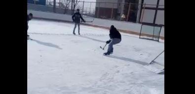 В Южно-Сахалинске залит первый хоккейный корт