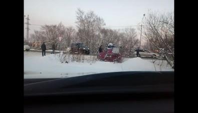 Suzuki Jimny перевернулся вкювет наХолмском шоссе