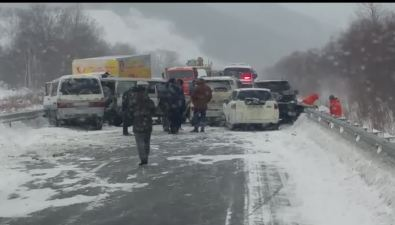 Трасса Южно-Сахалинск— Холмск оказалась перекрыта после ДТПс участием семи машин