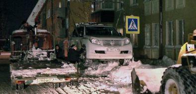 В Южно-Сахалинске эвакуируют автомобили, мешающие расчистке города