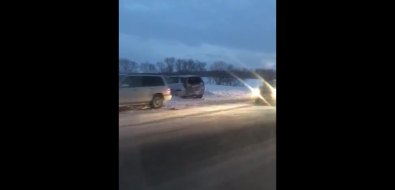 В районе села Успенского столкнулись триавтомобиля