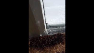 Молодые мамы замерзают впалатах охинского роддома