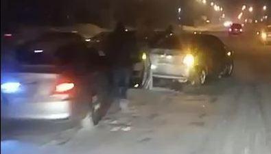 ДТП сучастием трех авто произошло наулице Сахалинской вобластном центре