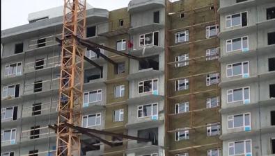 """В """"Березовой роще"""" вЮжно-Сахалинске подростки играют вопасные игры навысоте"""