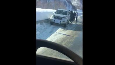 Три автомобиля столкнулись вХолмском районе