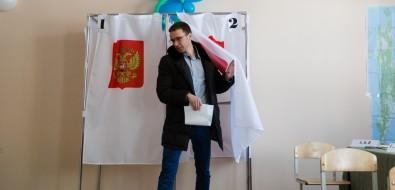 """Участник проекта """"Мэр"""" Артем Лазарев проголосовал запрезидента икупил удетей Бараша"""