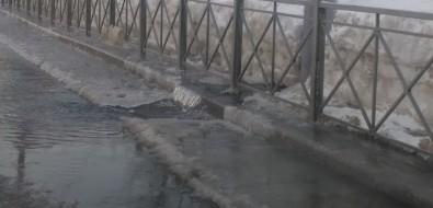 Сильный порыв произошел насетях наулице Комсомольской вЮжно-Сахалинске