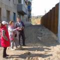 В Холмске решают проблему подтопления подвалов домов наулице Лермонтова