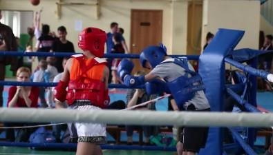 Победителем соревнований потайскому боксу наСахалине стала команда изприморского Артема