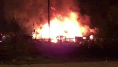 Два человека погибли вогне вГорнозаводске