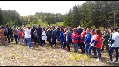 Углегорцы посвятили ДнюРоссии восхождение нагору Сергеевская