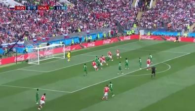 Сахалинцы рады разгромной победе России впервом матче чемпионата мира