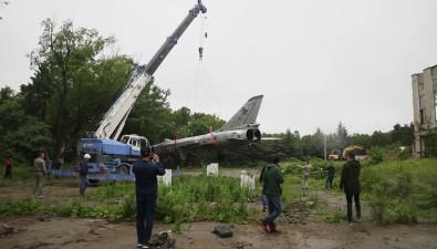 Простоявший 30 лету Дома офицеров истребитель Су-15 сняли спостамента иготовятся везти наПушистый