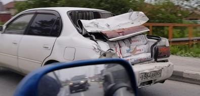Три автомобиля столкнулись наулице 1-й Октябрьской вЮжно-Сахалинске
