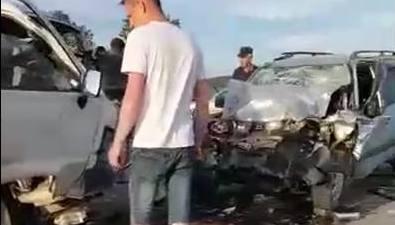 На въезде вКорсаков столкнулись Toyota Lite Ace иHonda CR-V