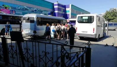 На автобусный маршрут Холмск— Костромское всвязи сбольшим спросом поставлены дополнительные автобусы