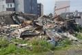 Администрация Поронайска полтора месяца неможет убрать остатки снесенного дома
