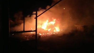 Ночью вОзерском сгорели шесть гаражей