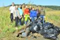 Два пляжа Углегорского района избавились отмусора вДень чистоты