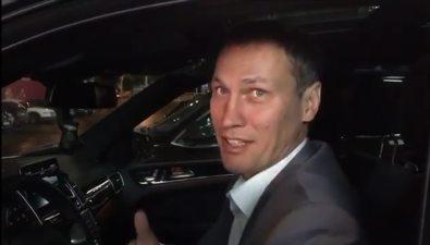 Сахалинскому депутату ибоксеру Олегу Саитову подарили белоснежный Mercedes