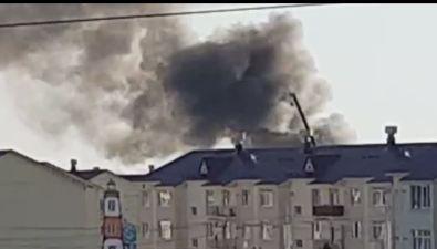 Сильный пожар произошел настроительной площадке школы вДальнем