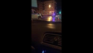 """Две машины """"убились"""" наперекрестке Ленина иПограничной вЮжно-Сахалинске"""