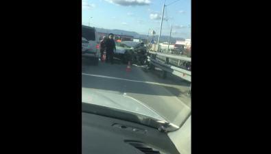 На виадуке вЮжно-Сахалинске наместе аварии работают спасатели искорая
