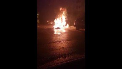 Автомобиль Mitsubishi Eclipse Cross взорвался ночью вЮжно-Сахалинске