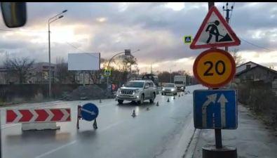 Южно-сахалинские автомобилисты боятся, чтостроители неуспеют завершить работы наХолмском шоссе донаступления заморозков