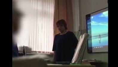История прохолмскую учительницу ирваную кофту дошла дофедеральных СМИ
