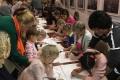 В сахалинском художественном музее провели мастер-класс порисованию углем дляособенных детей