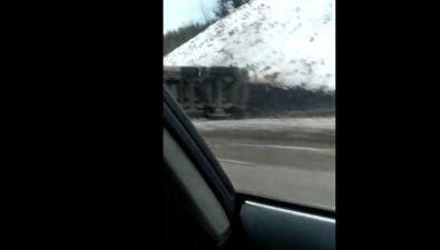 КамАЗ, груженный углем, опрокинулся натрассе Углегорск— Шахтерск