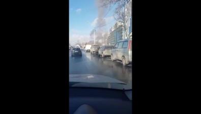 В Южно-Сахалинске пожарная машина попути навызов попала вДТП