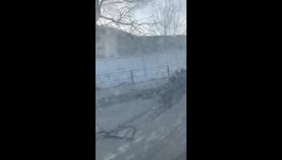Subaru Impreza опрокинула микроавтобус Toyota Hiace наулице Окружной вКорсакове