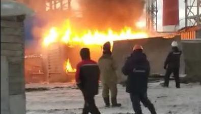 На территории Сахалинской ГРЭС-2 сгорела бытовка