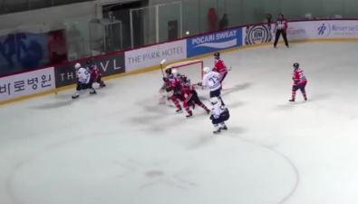 """Хоккеисты """"Сахалина"""" снова победили ивернулись втройку сильнейших АХЛ"""
