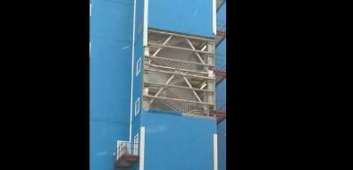 Ветер сорвал шесть сэндвич-панелей сбашни пересыпки Сахалинской ГРЭС-2