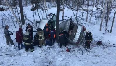 Из покореженного автомобиля вВесточке достали двух пострадавших женщин