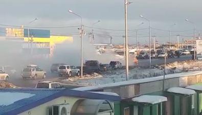 В Южно-Сахалинске посреди проезжей части сгорел автомобиль