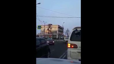 Светофор наЖелезнодорожной— Победы горит красным