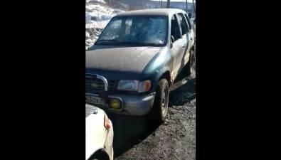 Житель Холмского района, укоторого заглохло авто, решил егоразбить