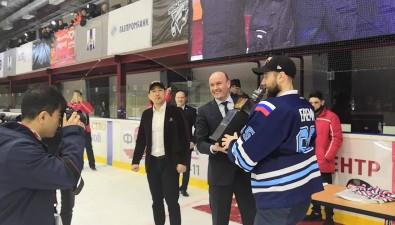 Сахалинские хоккеисты впервые вистории выиграли кубок АХЛ