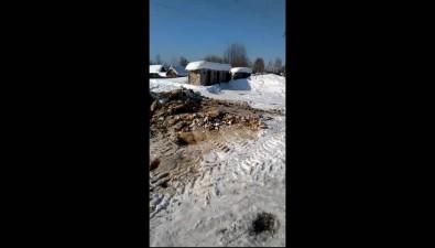 Жители Адо-Тымово получили новую колонку, ноона тоже замерзла