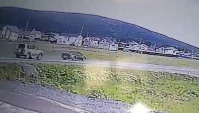 ДТП, вкотором погибли мать сгрудным ребенком, попало вобъектив камеры