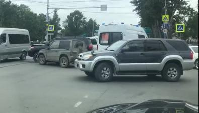 Четыре автомобиля столкнулись наперекрестке Мира— Хабаровской вЮжно-Сахалинске
