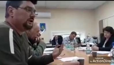 Корсаковские депутаты устроили шоуиз поездки дочери председателя намеждународный форум