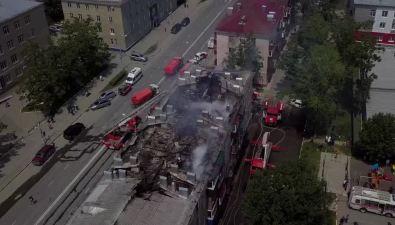 В Южно-Сахалинске сгорела крыша дома №297 наулице Ленина